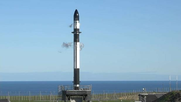 1530064873542 - Rocket Lab scrubs third attempt for lift off after issues with motor controller